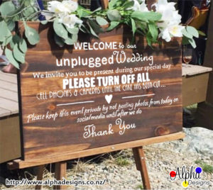 Unplugged welcome wedding decal - Alpha Designs